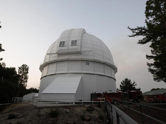 Incendies dans l'Ouest américain : un observatoire menacé près de Los Angeles