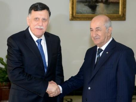 Crise en Libye: inquiètes, Alger et Tunis s'activent pour une solution politique