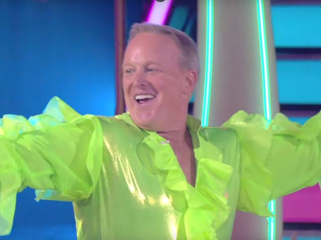 "Sean Spicer, ex-conseiller de Trump, star de la salsa dans ""Danse avec les stars"""