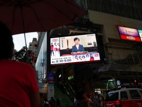 A Hong Kong, une première concession de la cheffe de l'exécutif