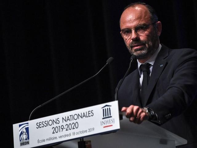 """Edouard Philippe pour une """"société de civisme"""""""