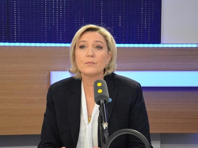 """Coronavirus : """"Il y a eu une stratégie du gouvernement qui a consisté à cacher le niveau de faiblesse de l'Etat plutôt que de dire la vérité"""", affirme Marine Le Pen"""