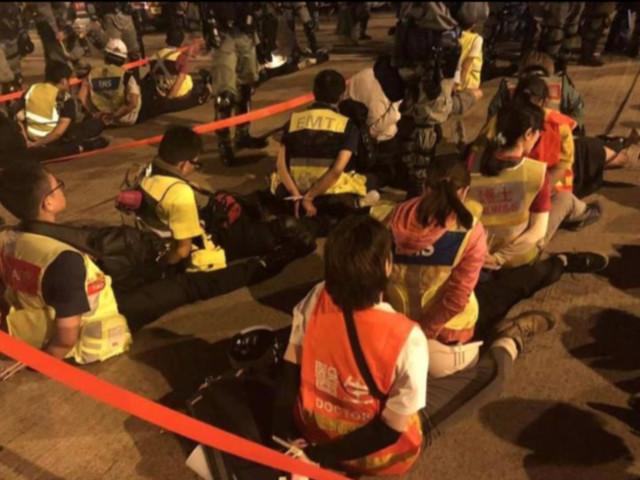 Un médecin de Hong Kong dénonce les violations des principes humanitaires