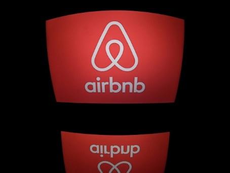 Logement: les communes pourront exiger une liste auprès de plateformes comme Airbnb