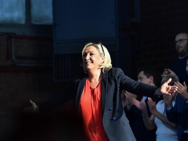 EN DIRECT - Marine Le Pen lance un appel aux anti-Macron en vue des municipales