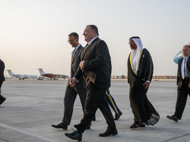Conflit ou compromis : les États-Unis et l'Iran sur le fil du rasoir.