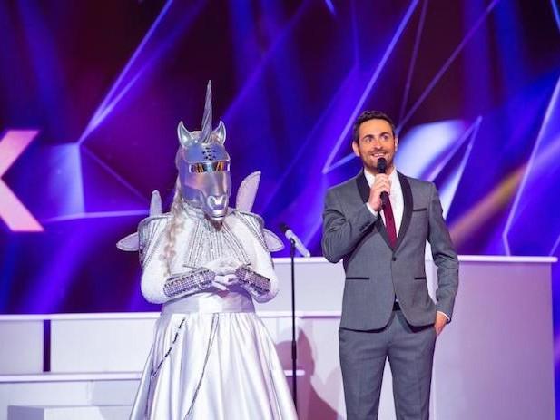 « Mask Singer » finale : qui se cache derrière le masque de la Licorne ? Laurence Boccolini ou Valérie Damidot ?