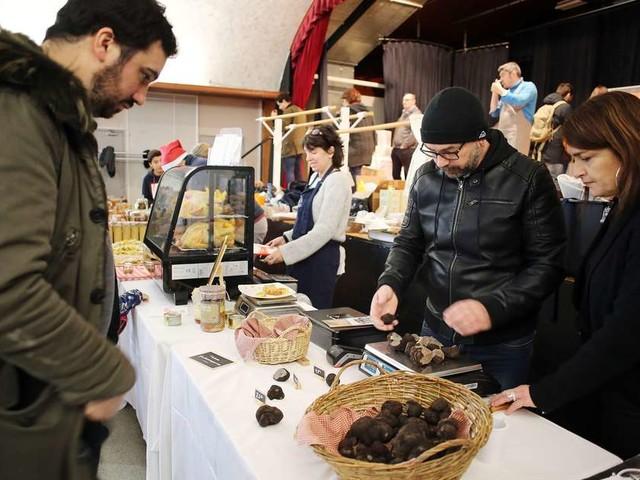 Le dernier marché des producteurs de Nicolas Magie au Saint-James
