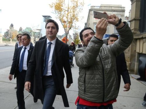 Minoritaire, Trudeau exclut de former un gouvernement de coalition