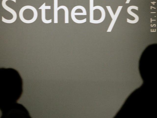 """Une vente Sotheby's d'oeuvres numériques """"NFT"""" atteint 16,8 millions de dollars"""