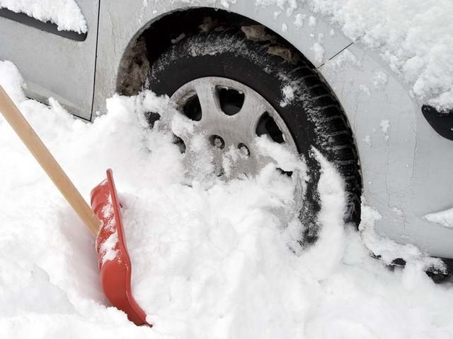 Cinq items qu'il faut avoir dans notre auto en hiver