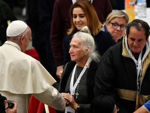 Le pape invite à table 1.500 pauvres au Vatican