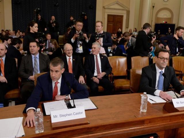 Destitution de Trump: républicains et démocrates présentent leurs conclusions