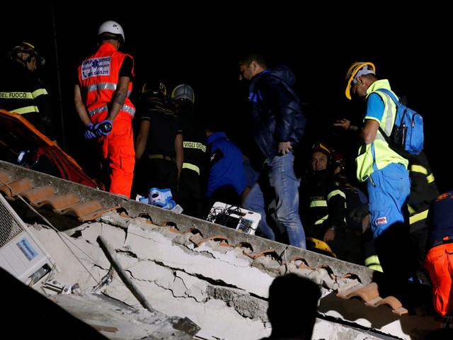 Séisme en Italie: deux femmes tuées, des enfants en vie sous les décombres