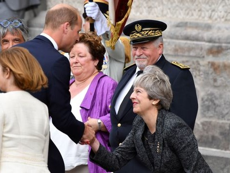 Le prince William et Theresa May commémorent le centenaire de la bataille d'Amiens