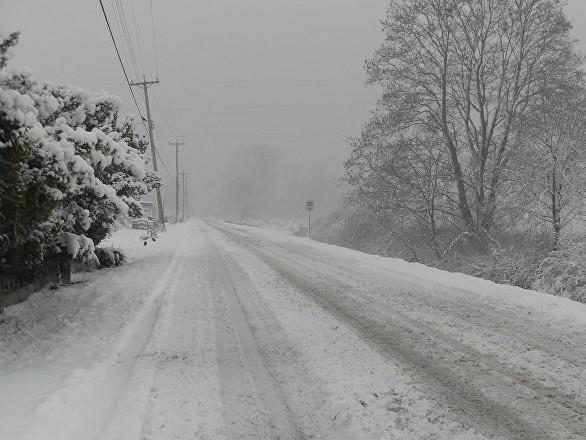 Neige: un mort et 140.000 foyers privés d'électricité dans trois départements - images