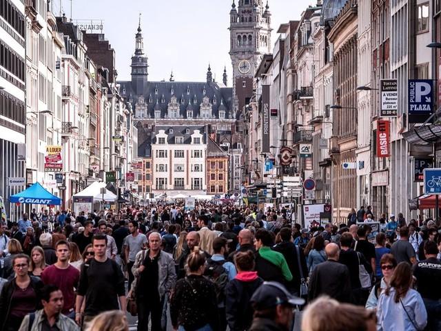 Covid-19: la grande braderie de Lille est annulée