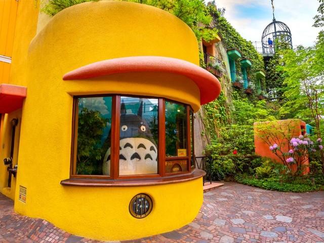 Visitez l'univers magique du musée Ghibli de Tokyo depuis votre canapé