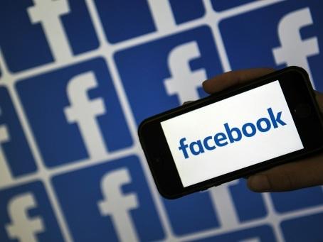 """""""Cour suprême"""" et données tierces, Facebook s'attaque au contenu litigieux"""