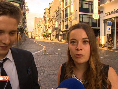 """""""On n'arrivait plus à respirer"""": des jeunes qui venaient faire la fête dans le Carré racontent une intervention policière musclée"""