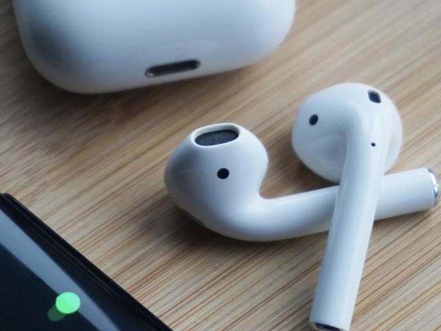 Bon Plan AirPods 2 : Remise de 21% pour les écouteurs premium parfaits pour Noël