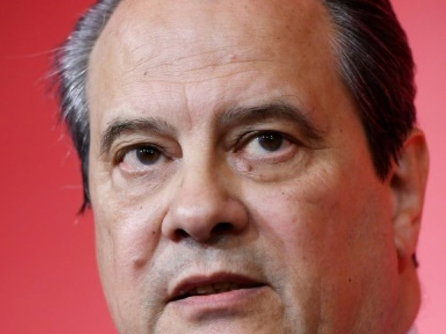 """Cambadélis juge le soutien de Hamon à De Haas """"pas acceptable"""""""