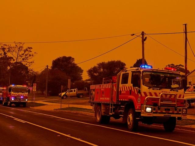 Face aux incendies en Australie, évacuation massive et 3000 réservistes appelés