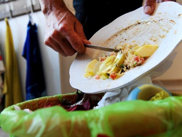 Gaspillage alimentaire : faut-il modifier les dates de péremption ?