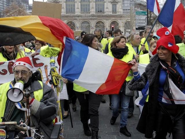 """Gilets jaunes et réseaux sociaux: """"L'influence étrangère est quasi impossible à prouver"""""""