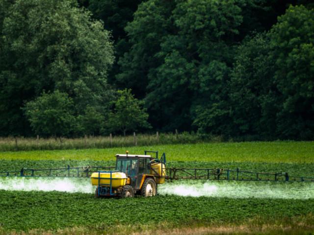 Pesticides et habitations : tout comprendre aux mesures adoptées par le gouvernement