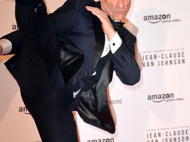 Jean-Claude Van Damme fait le spectacle devant Marilou Berry et Frédérique Bel