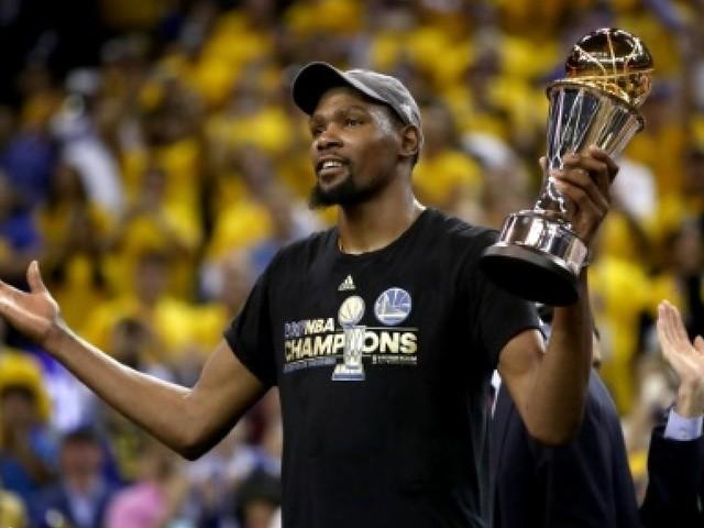 """NBA: Durant conteste l'étiquette de """"super-équipe"""" accolée à Golden State"""