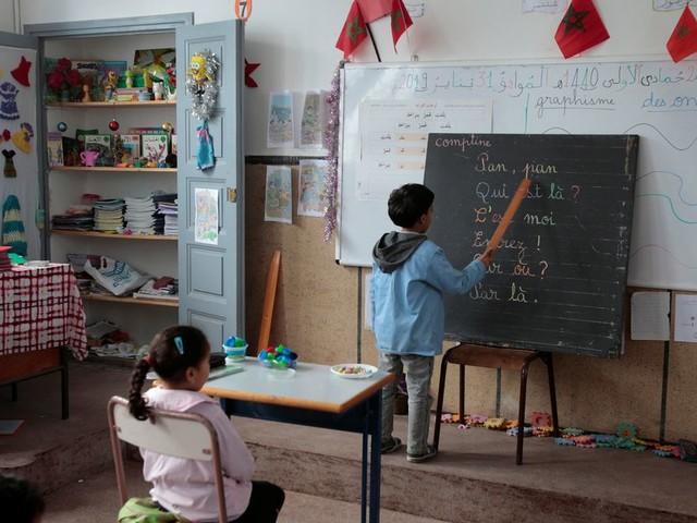 La loi polémique sur la langue d'enseignement adoptée à la majorité en commission