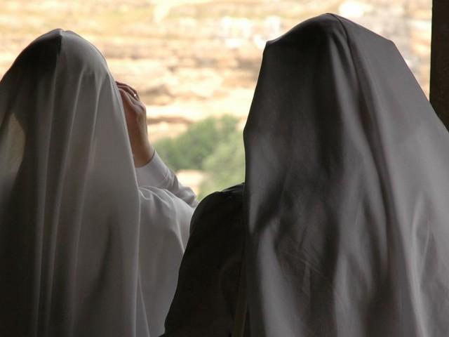 À Vesoul, une religieuse privée de maison de retraite pour avoir gardé son voile