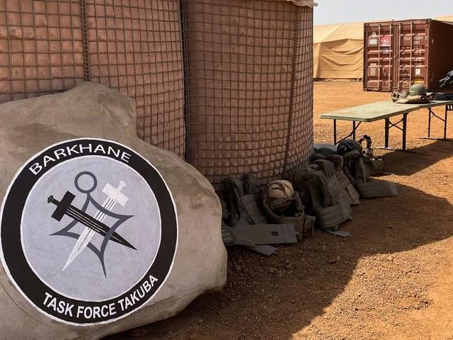 """Mali: la France va """"très probablement"""" réduire ses effectifs militaires"""