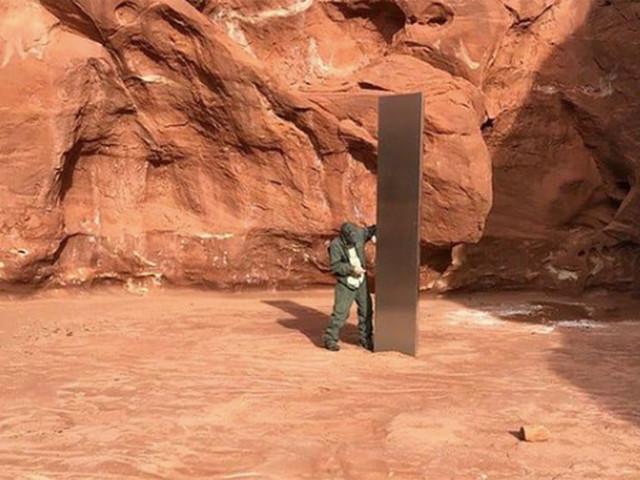 Un mystérieux monolithe a été découvert en plein milieu du désert de l'Utah