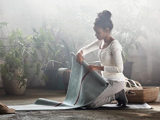 Ikea lance une nouvelle collection de meubles sur le thème du yoga