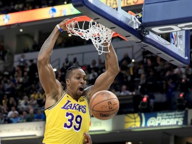 NBA: les Lakers conservent Dwight Howard jusqu'à la fin de la saison