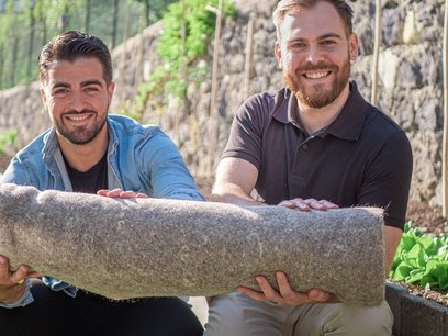 Capillum : les cheveux collectés seront revalorisés... en tapis de jardin biodégradables