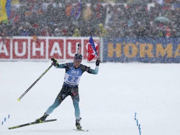 Biathlon: Martin Fourcade et les Français remportent le relais de Ruhpolding