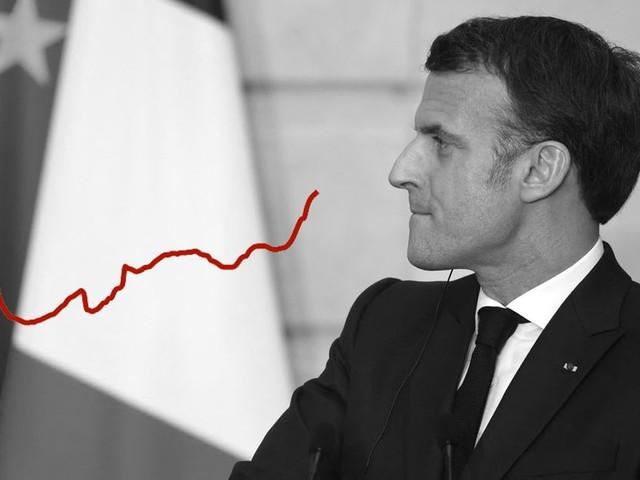 Covid-19: Macron accélère la vaccination mais la 3e vague risque d'aller bien plus vite