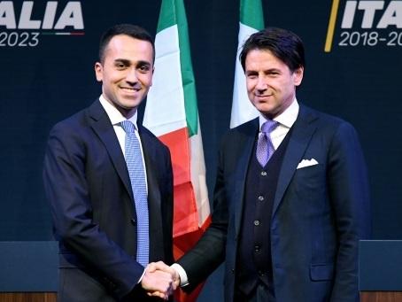 Gouvernement en Italie: le président prend une pause de réflexion