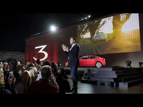"""Tesla lance sa """"Model 3"""", dévoile les options et remplace les clés par le smartphone (vidéos et détails)"""