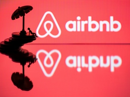 Airbnb promet de vérifier ses 7 millions de locations d'ici décembre 2020