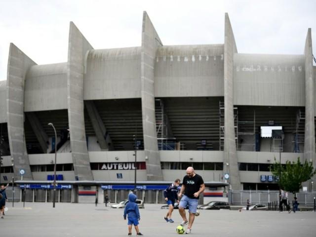 Virus: réouverture des stades le 11 juillet, avec 5.000 spectateurs maximum
