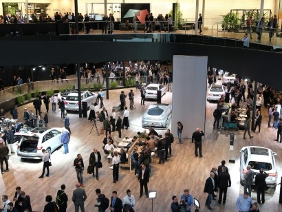 Automobile: l'industrie allemande panse ses plaies au salon de Francfort