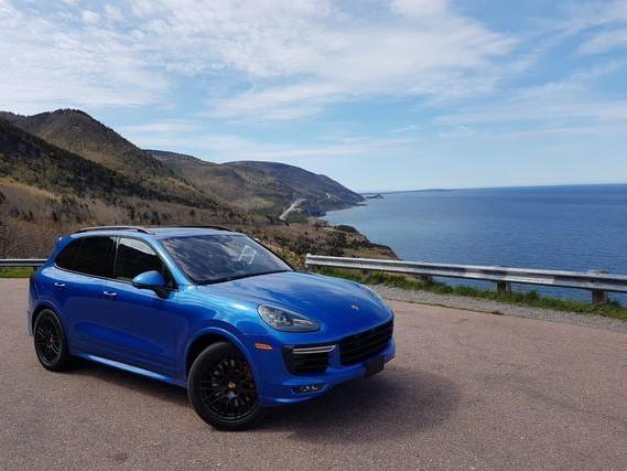 La Cabot Trail en Porsche Cayenne GTS et Macan Turbo