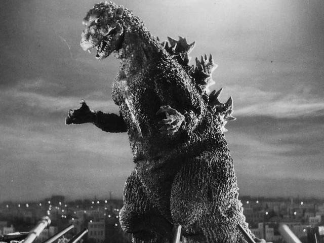 Découvrez l'étonnante histoire de l'homme qui se cachait sous le costume du mythique Godzilla
