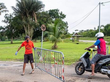 """EN DIRECT. Covid : situation """"très préoccupante"""" en Guyane, une mission envoyée sur place"""