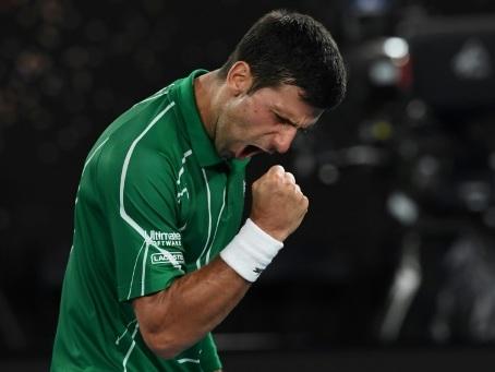Open d'Australie: le plomb de Thiem à l'épreuve du roc Djokovic
